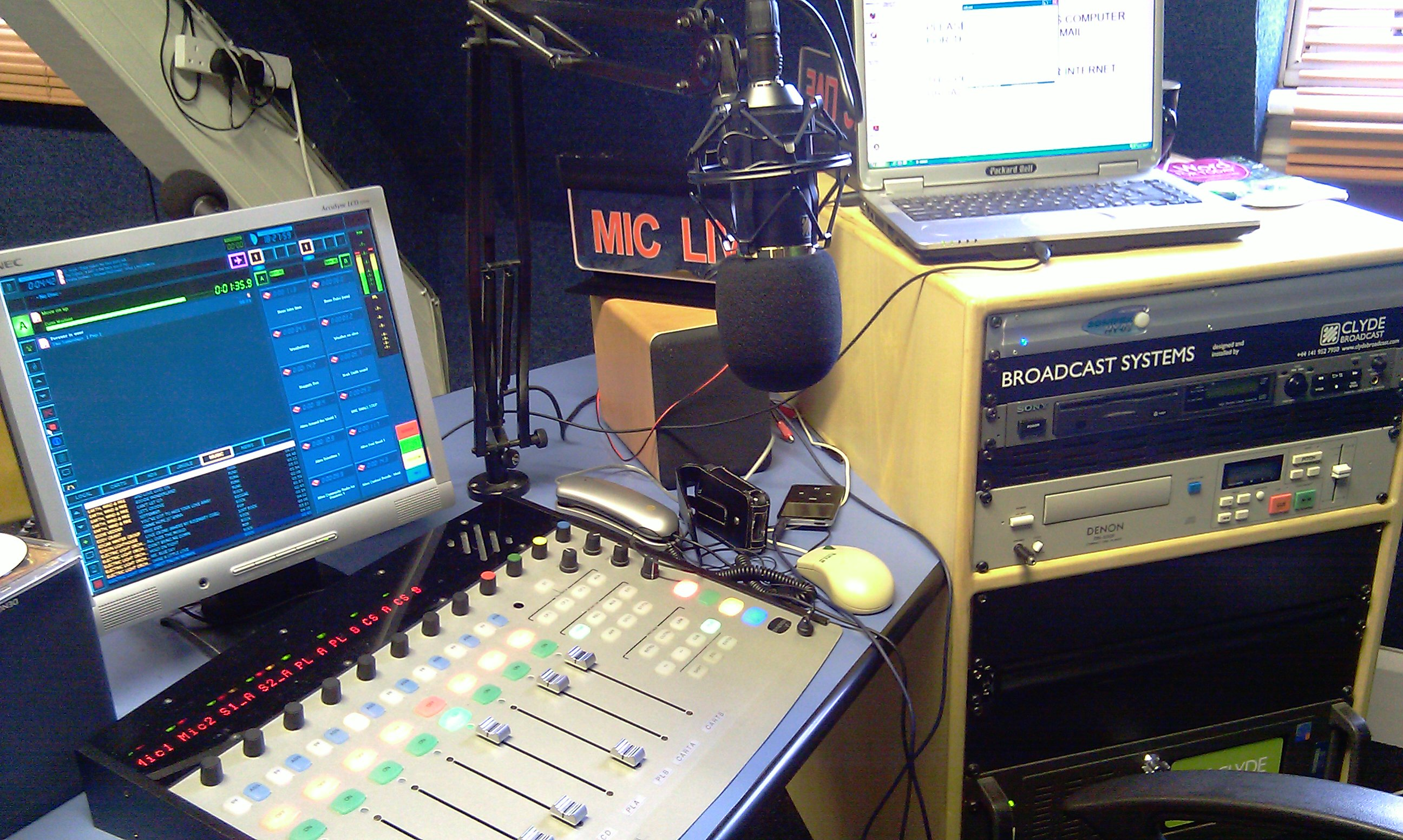 community radio Am1670 is maintained as a public service for the communities of valencia, el dorado and northern hills in san antonio, texas we are an lpam fcc part 15 station.