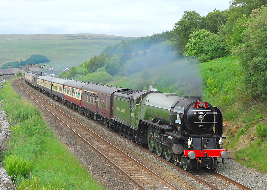© Jim Barr (http://www.steamtraingalleries.co.uk/pic_special_trains_409.html)